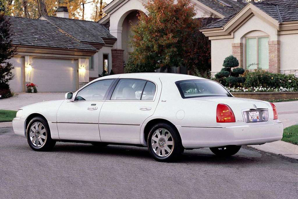 Lincoln Town Car For Sale Buy Used Amp Cheap Pre Owned Cars